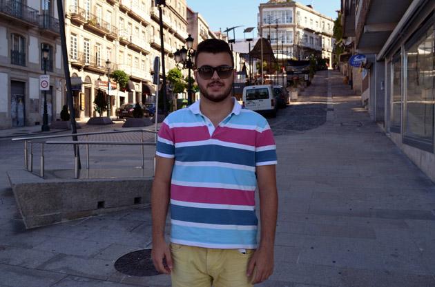 Plano Americano de Ricardo. Conversación en Vigo, España. Fuente: www.ritapouso.com