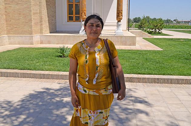 Plano Americano de Anora. Conversación en Bujara, Uzbekistán. Fuente: www.ritapouso.com