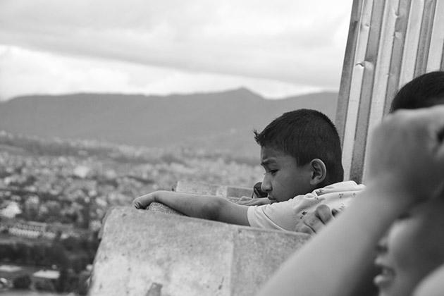 Consultando el horizonte. Swayambhu, 2016. Fuente: www.ritapouso.com